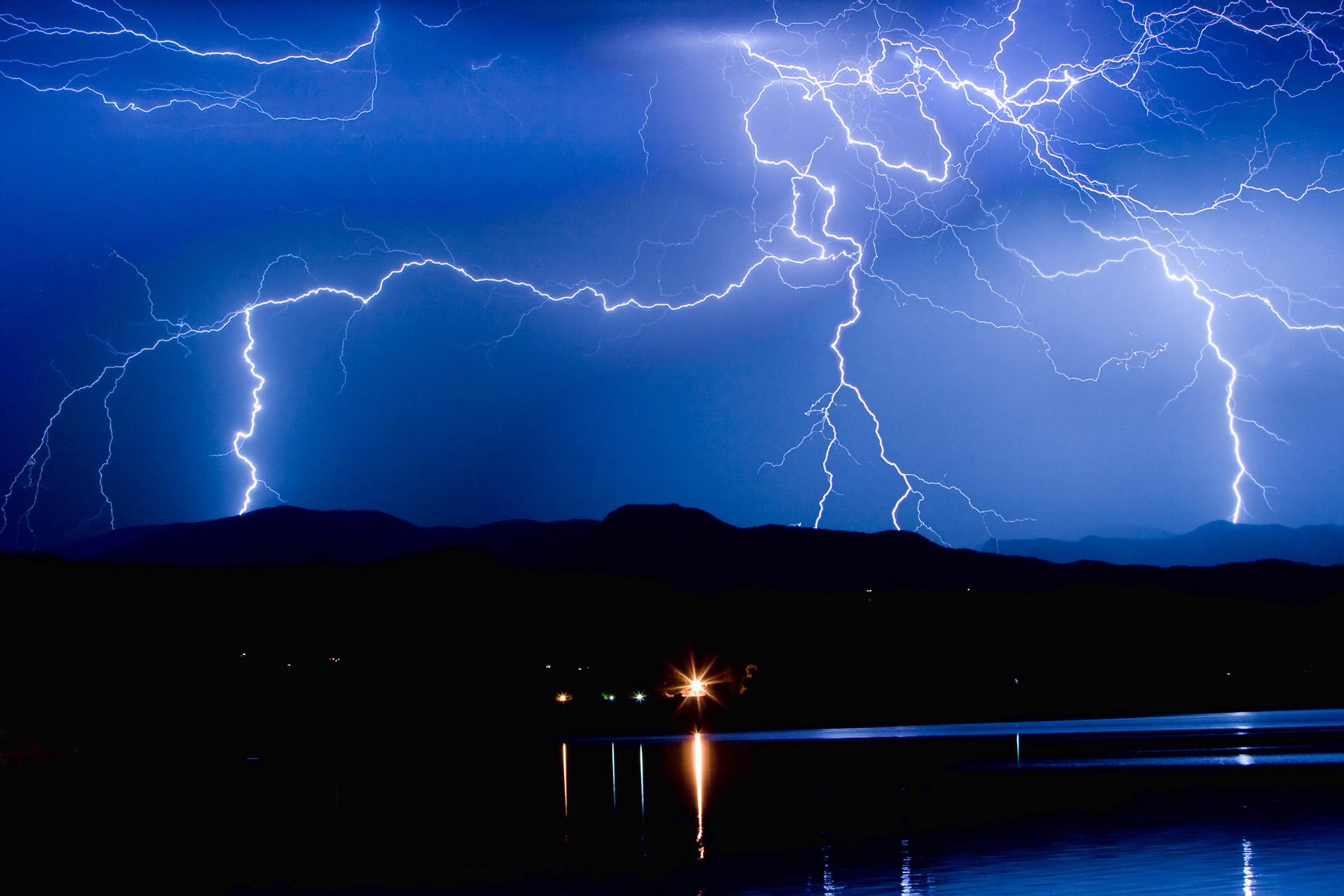 dryspark lightning background