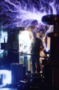 electric_thron200