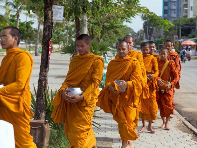 Monk life ជីវិតព្រះសង្ឃ