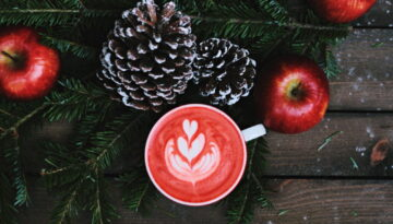 holiday-coffee-pinecones-apples