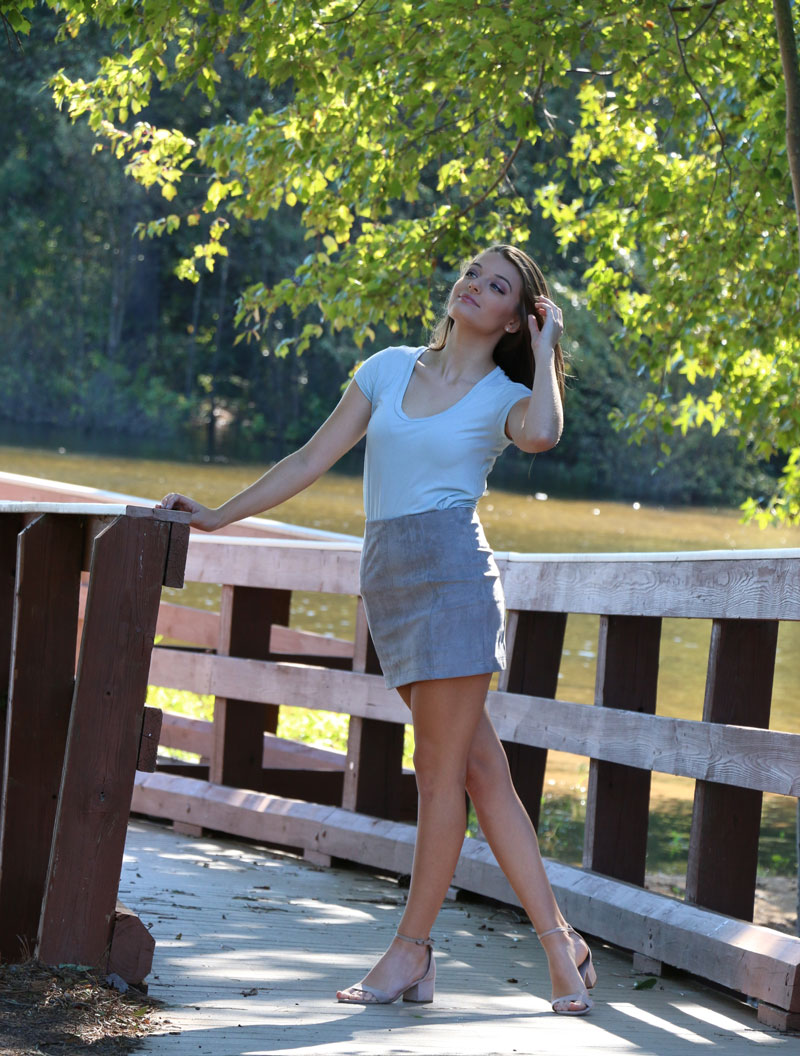 Deborah Young photo - bridge female