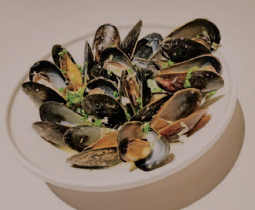 Calgary Palate, guide to the good life in Calgary 6 Quick Ways With 2019-01-02 Ginger Vermouth Mussels