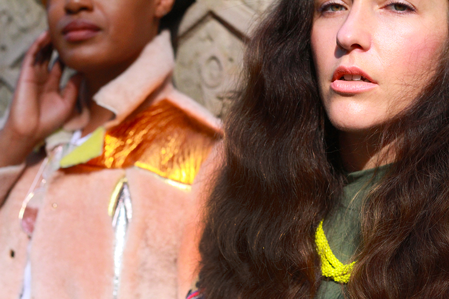 danidk-merideth-morgan-female-bloggers-fall-jacket-trends-2016-21