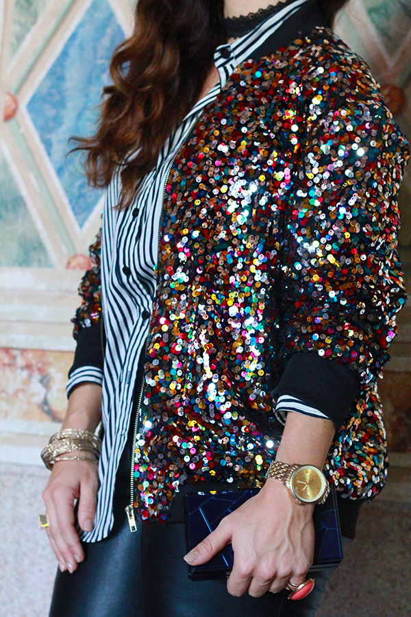 danidk-merideth-morgan-female-bloggers-fall-jacket-trends-2016-37