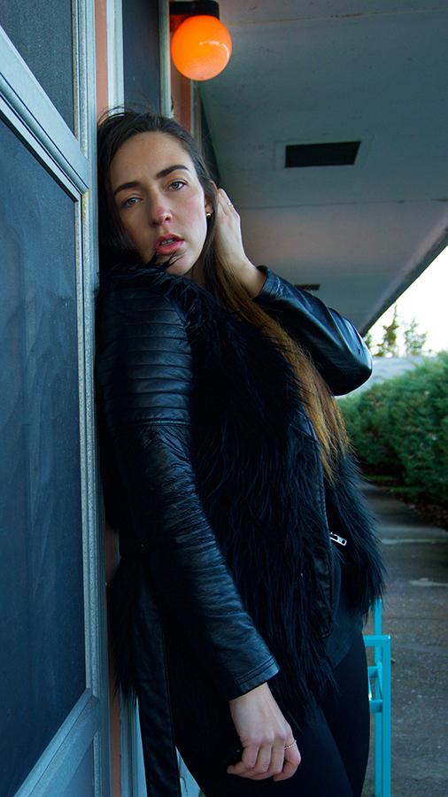 wu-tang-tee-bell-bottom-pants-fur-vest-all-black-8