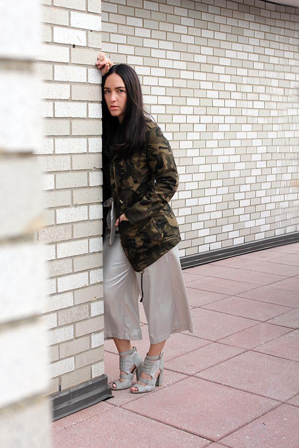 metallic-culottes-maja-camo-jacket-sequin-tee-16
