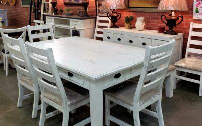 Joanna Dining Room Set