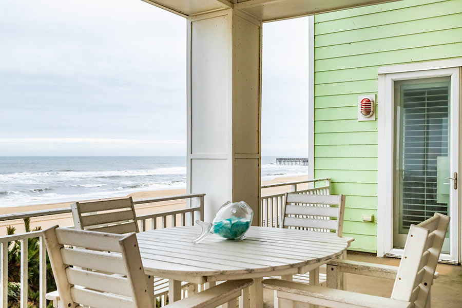 Oceanfront! 3738 Sandpiper Road #105B