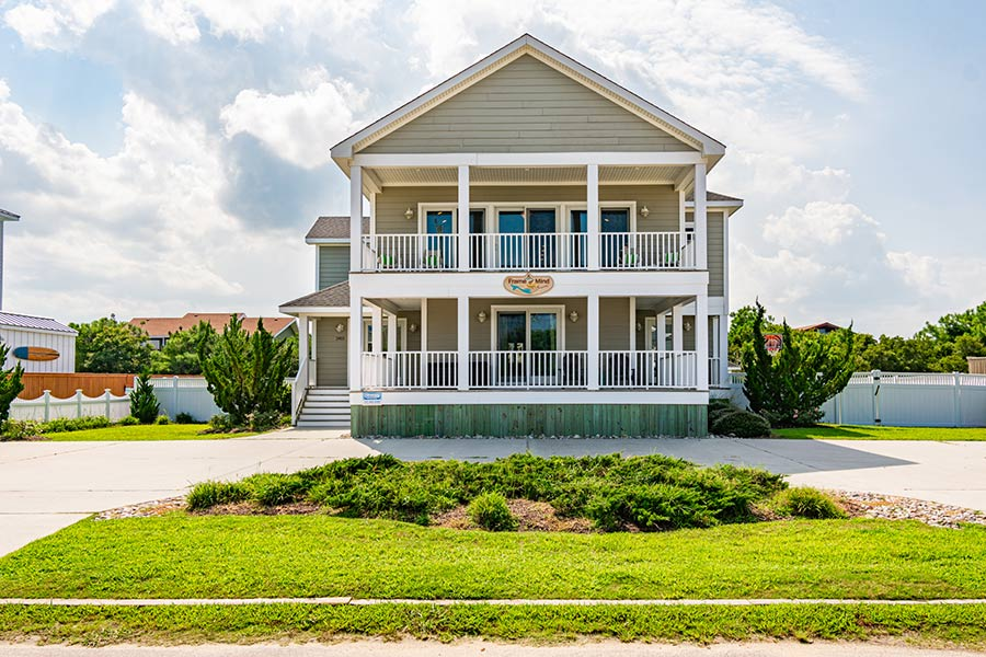 Under Contract! 2413 Sandfiddler Road – A Frame of Mind
