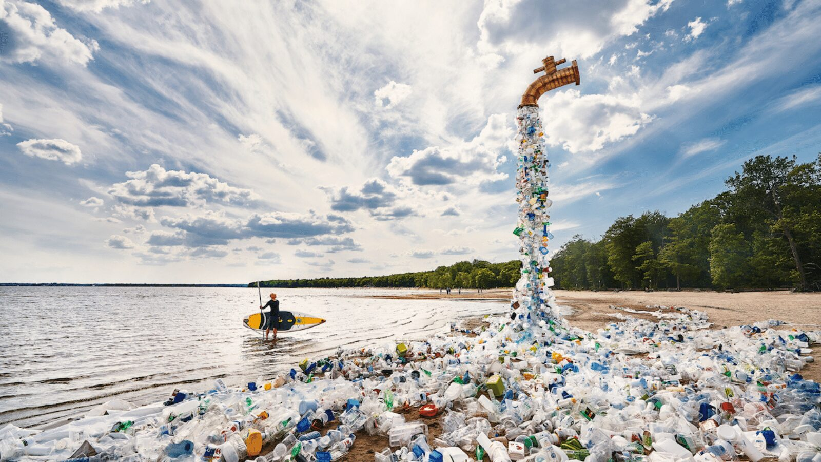 Read more about the article Turning Off The Leaking Plastic Waste Tap : Benjamin Von Wong's Latest Art Installation