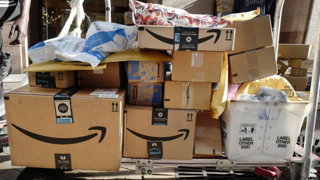 Packages from numerous distributors waiting to be shipped out. (Image : AP PHOTO/ Mark Lennihan)   ChangeMakr Asia