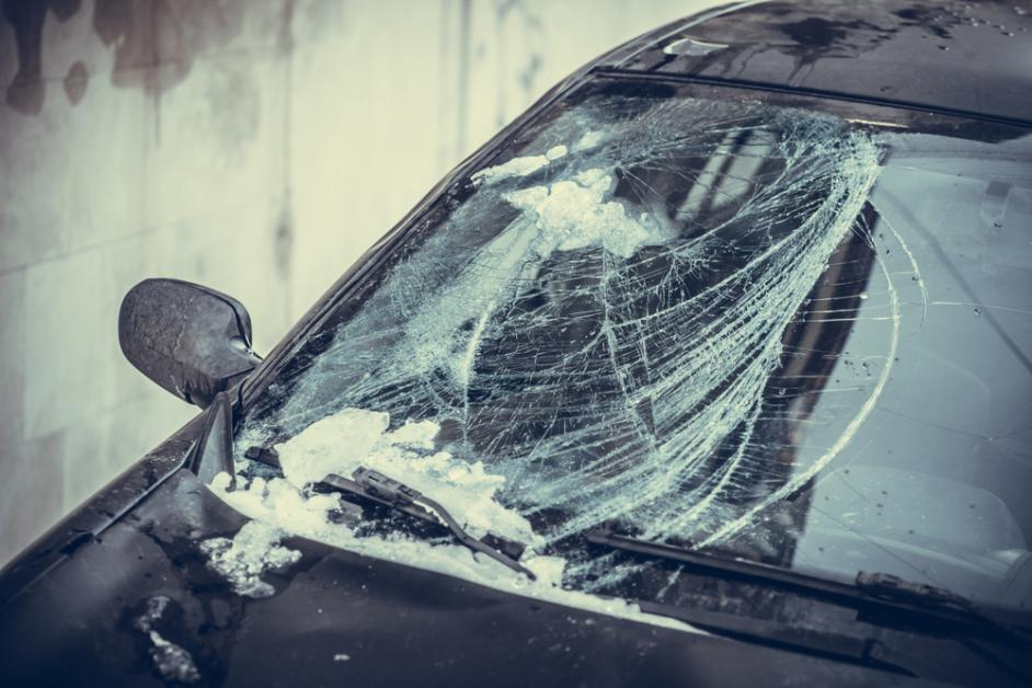 What to Know About Auto Glass Chip Repair in Winter