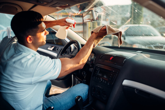 How to clean the inside of the Auto glass