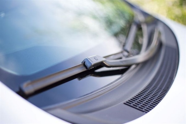 How to Care for a Newly Replaced Windshield