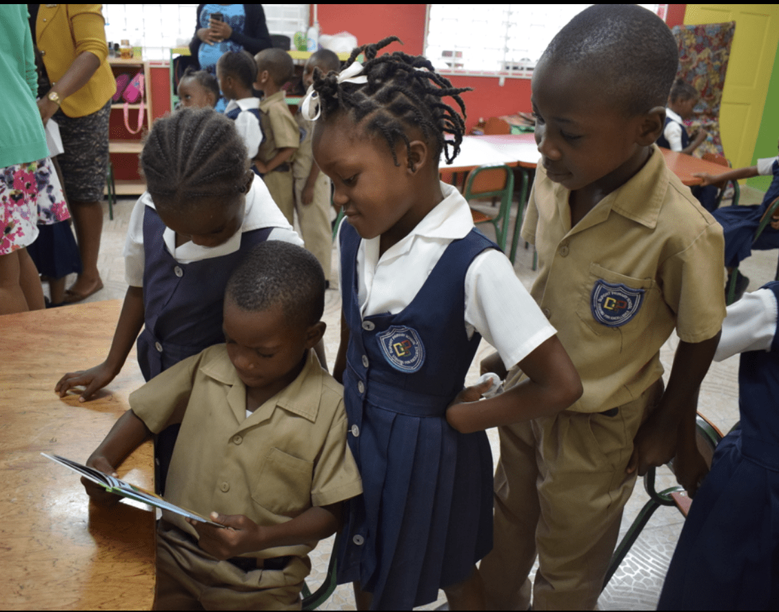 ARC Manufacturing Gifts Dupont Primary and Infant with Books