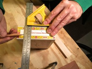 """measure down 3/4"""" (19mm) from box lid"""
