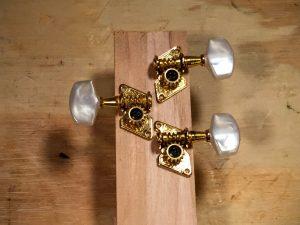 tuning peg orientation 2 right 1 left