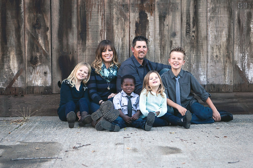 Ripon-Family-Portrait-Barn-2