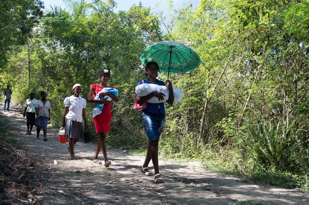 Mobile Prenatal Clinic in rural Haiti, Midwives For Haiti. Photo by Cheryl Hanna-Truscott