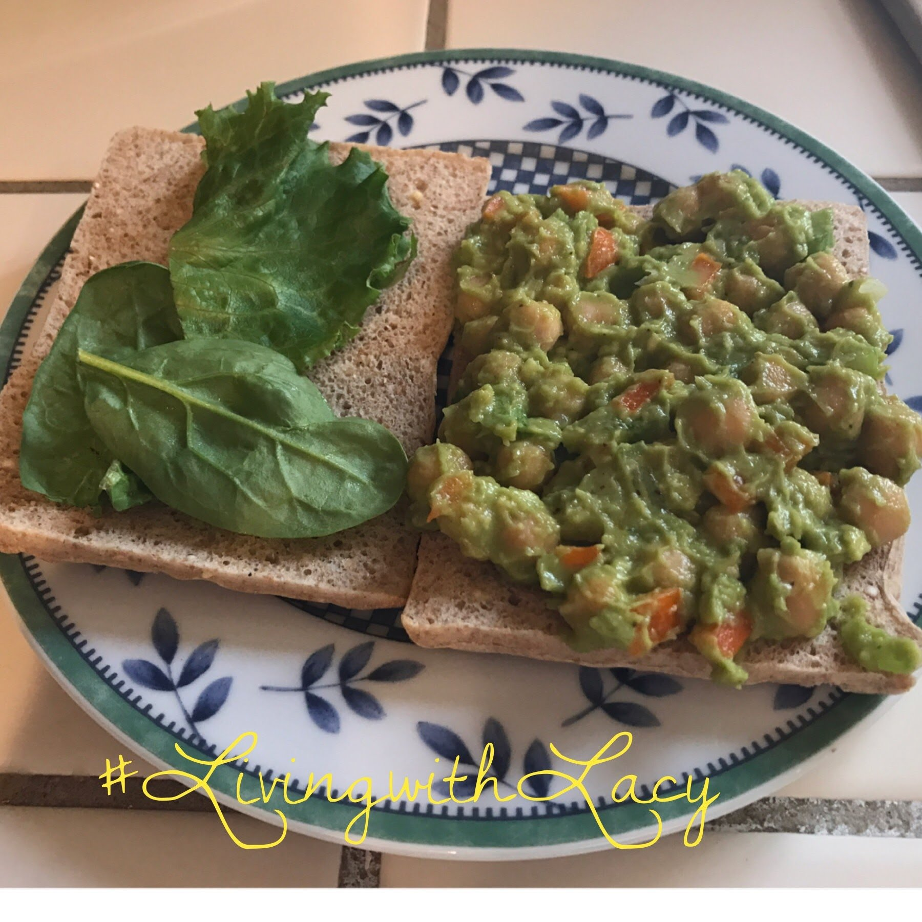 avocado garbanzo sandwich