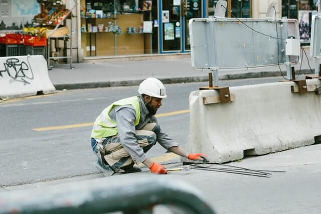 construction-worker-road-work