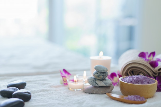 spa-ball-spa-herbal-ball-with-candle_41078-13