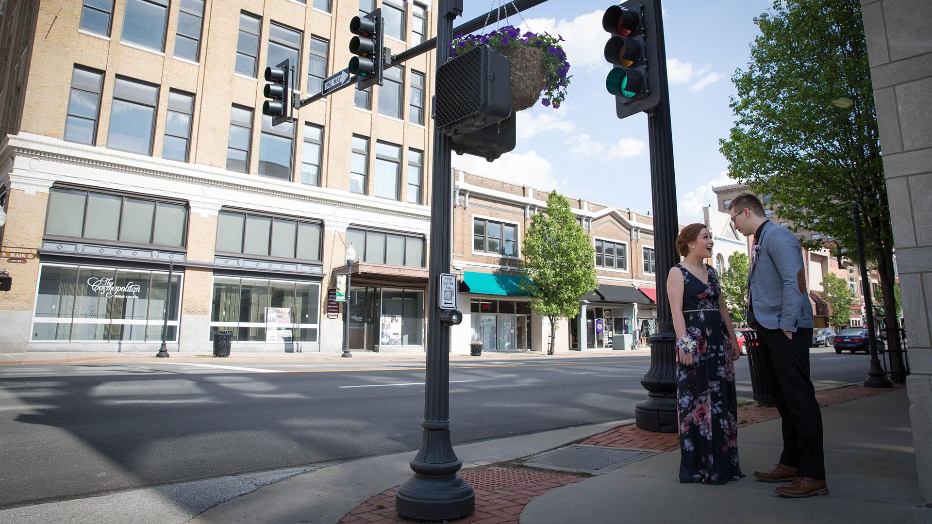 Craven-Media-Couple-Downtown-Joplin