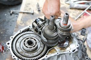 transmission-repair-mechanic
