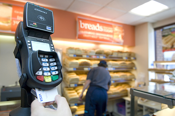 Adoption of Chip-Based Credit Cards Pushes up E-Commerce Fraud