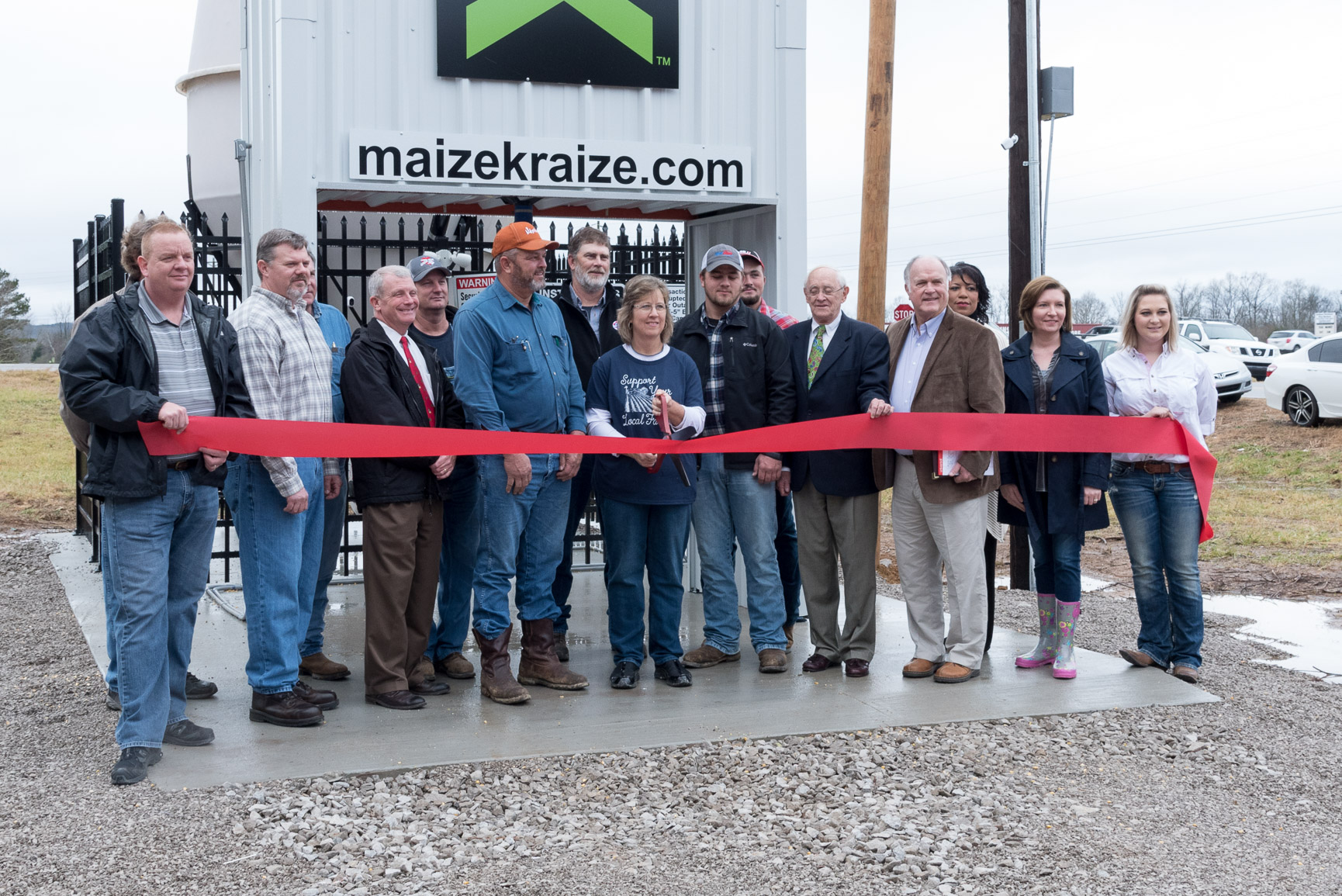 maize kraize ribbon cutting event for self-service corn vending system in Russelville, AL
