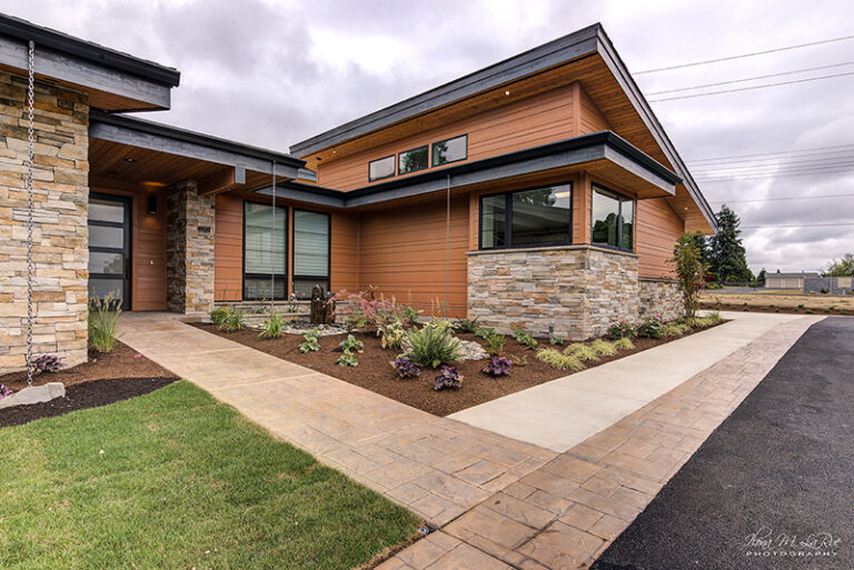 Front Entry view of Doriot Construction's 2019 Mid Century Modern Build in Felida, WA