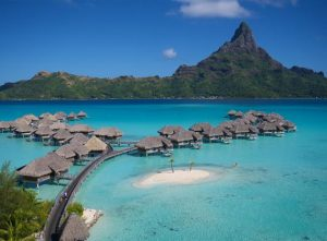 island-hoppinh