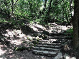 Nojouqi Falls Path