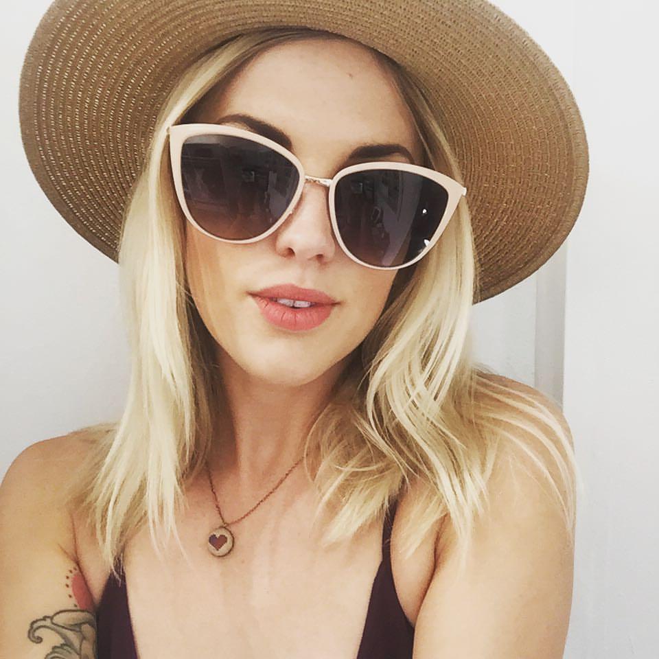 Lindsay Danger, owner of Dear Danger mobile boutique | Girlfriend is Better