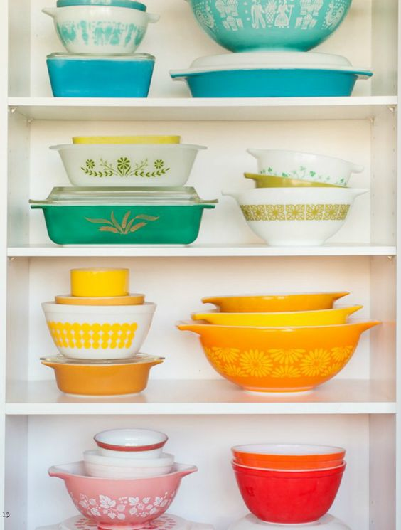 Collection of vintage Pyrex bakeware   Girlfriend is Better