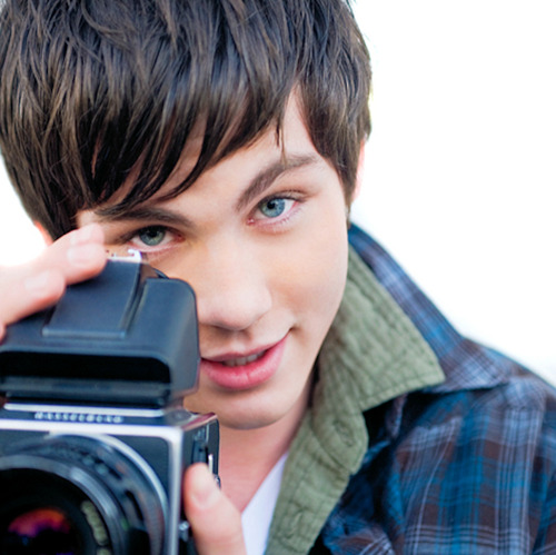 5 cell phone rules for healthy teens   Logan Lerman with a camera   Girlfriend is Better