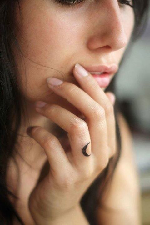 Minimalism tattoo | How to be more of a minimalist | Girlfriend is Better