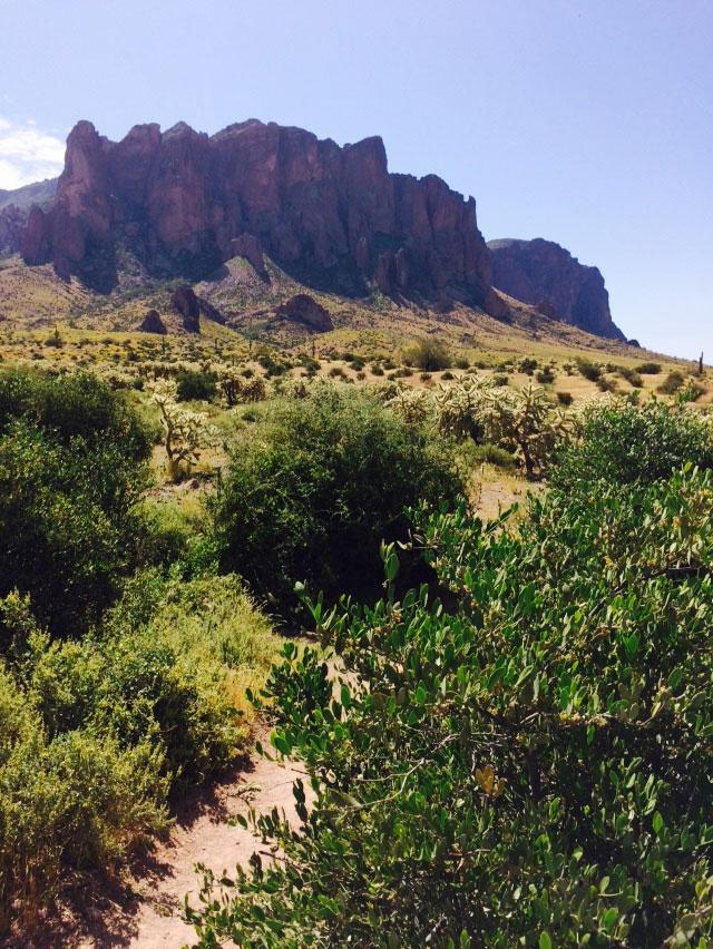 Hiking Superstitions at Cross Cut near Scottsdale Arizona | Girlfriend is Better