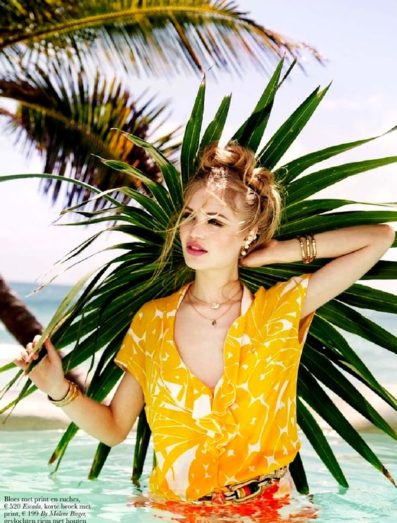 Yellow and orange with a tropical glam vibe | Spring fashion | Girlfriend is Better
