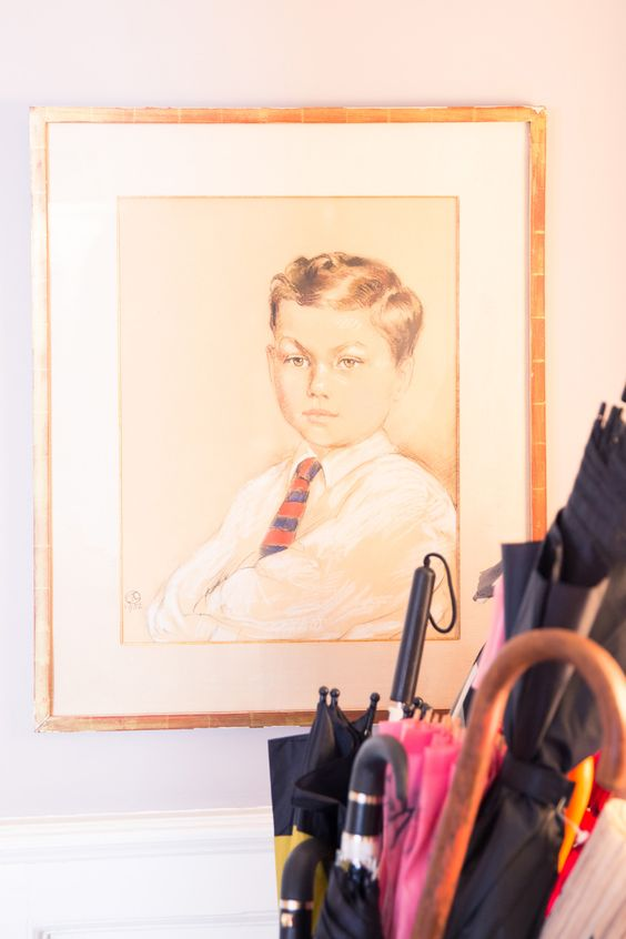 Portraits of dignified children for hallways and entryways | Girlfriend is Better
