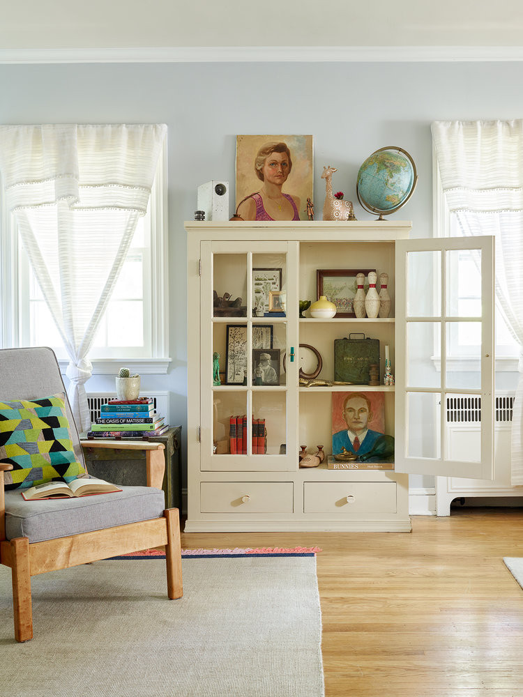 Portraits of strangers liven up a hutch | Girlfriend is Better