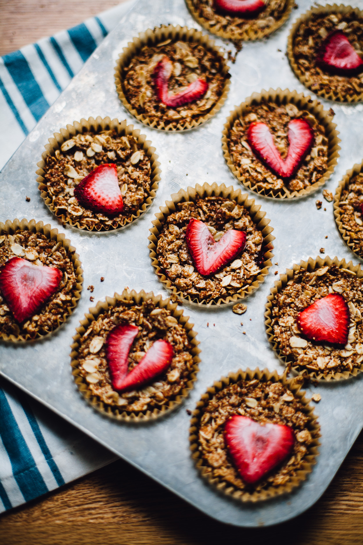 Strawberry rhubarb crumble bites recipe | Girlfriend is Better