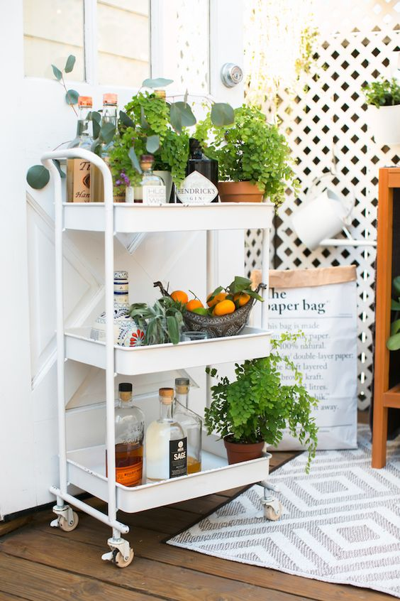 Bar cart for patio party cocktails | Girlfriend is Better