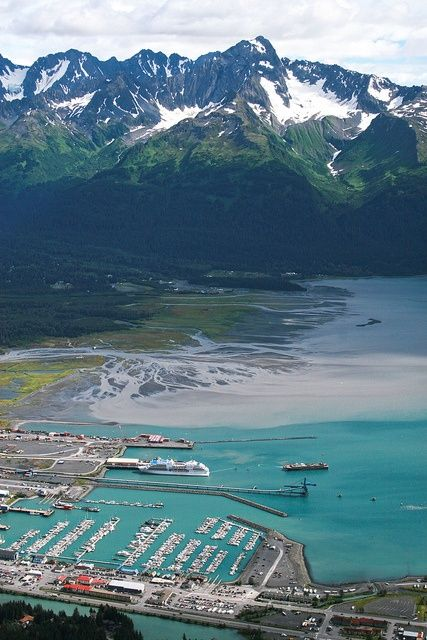 Seward Alaska boat harbor | Travel Tips | Girlfriend is Better