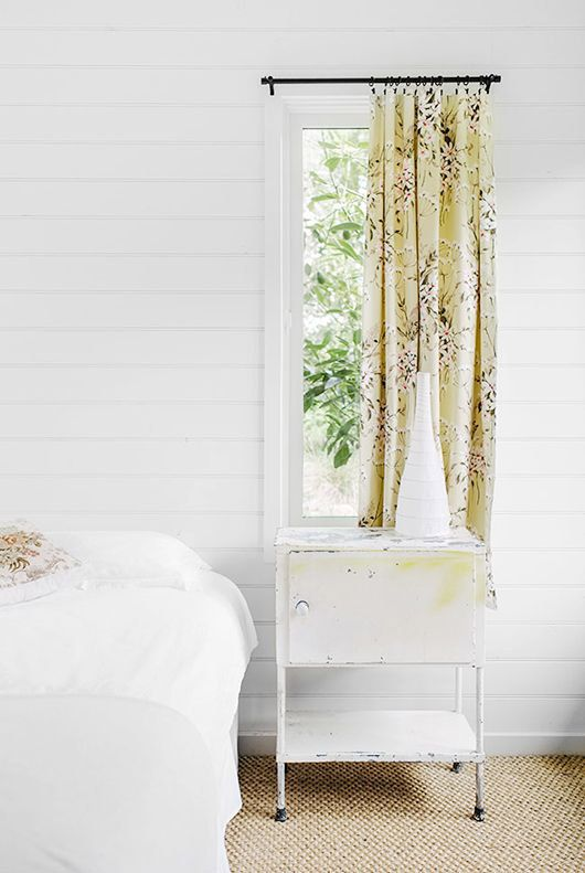 Country floral curtains minimal style | Girlfriend is Better
