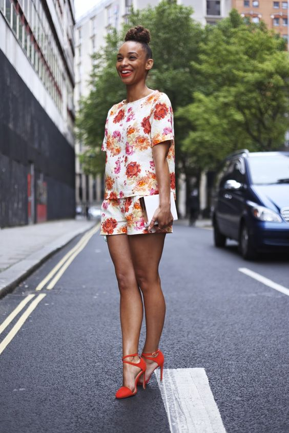 Floral shorts suit two-piece   Girlfriend is Better