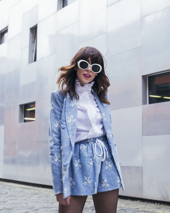 Floral shorts suit with mod look and ruffled blouse   Girlfriend is Better