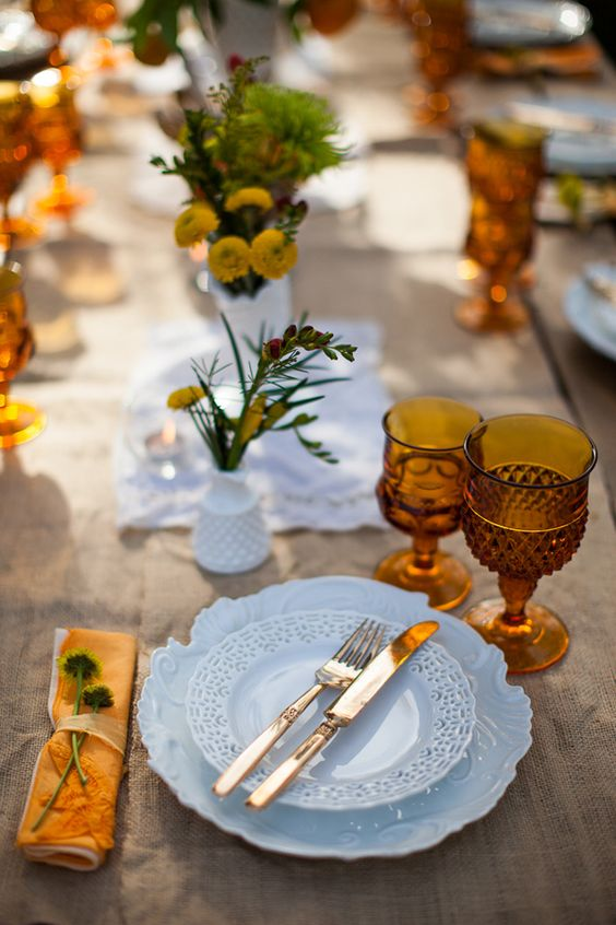 Fall table setting with amber glassware | Girlfriend is Better