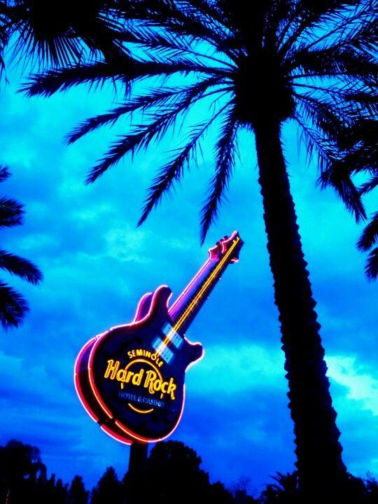 Caribbean cruise vacation guide | Seminole Hard Rock Hotel | Girlfriend is Better