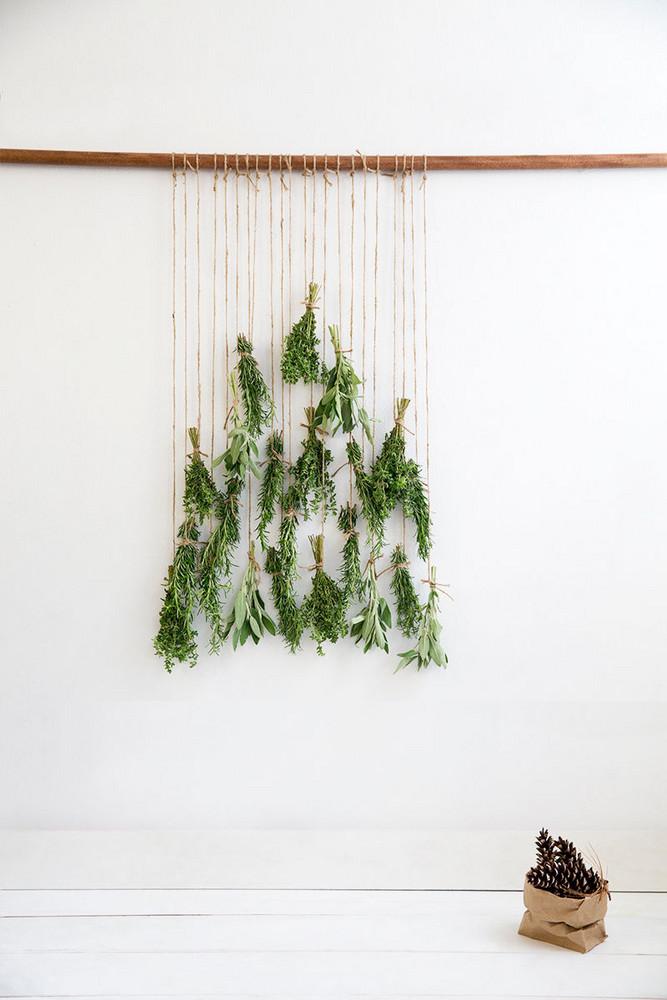 Christmas tree DIY ideas   Wall hanging using herbs macrame style   Girlfriend is Better